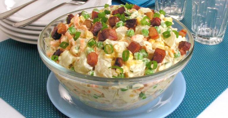 Salada de batata e bacon