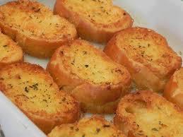 Torradinhas de queijo e maionese