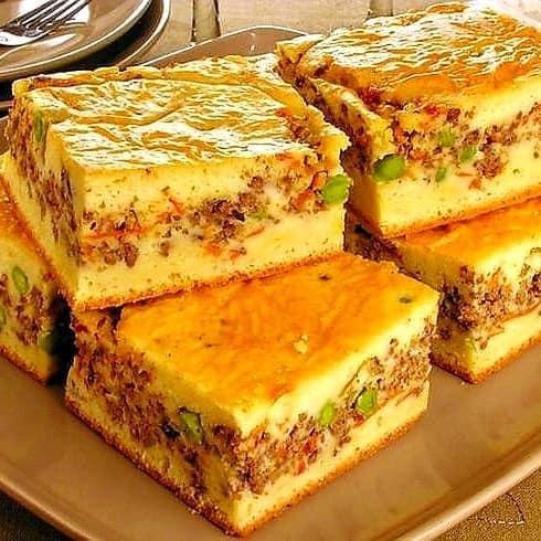 Torta de carne moida com massa de creme de leite