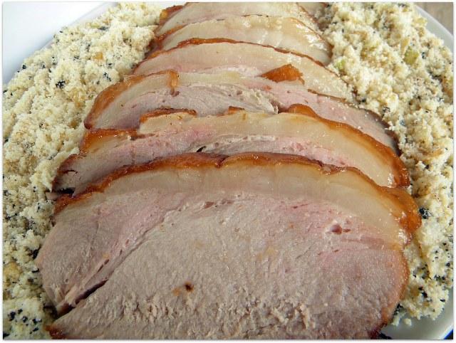 Pernil de porco com farofa