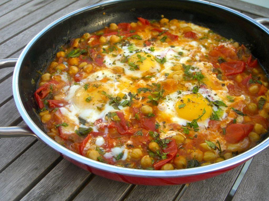 ovos cozidos ao molho