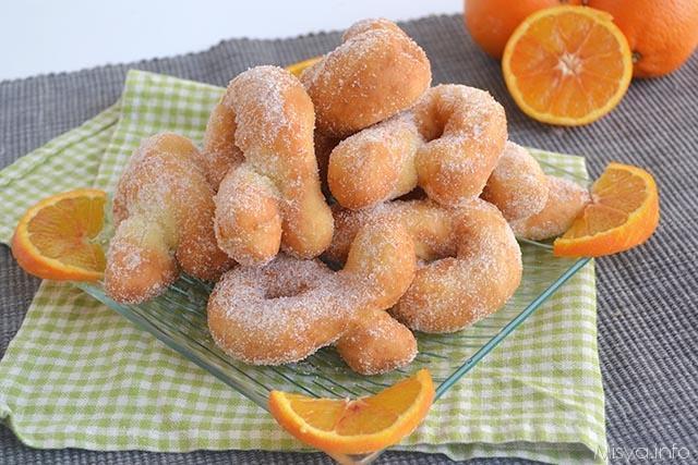 Bolinhos fritos de laranja