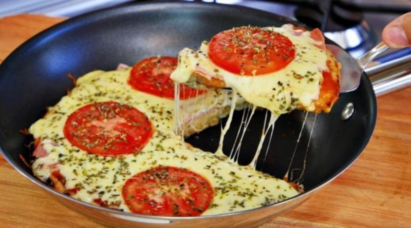 Pizza de frigideira pronta em 10 minutos