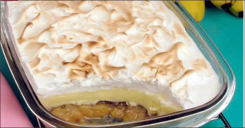 Torta de banana com suspiro