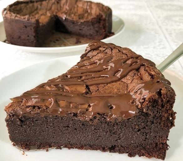 Torta de chocolate low carb fácil – 3 ingredientes
