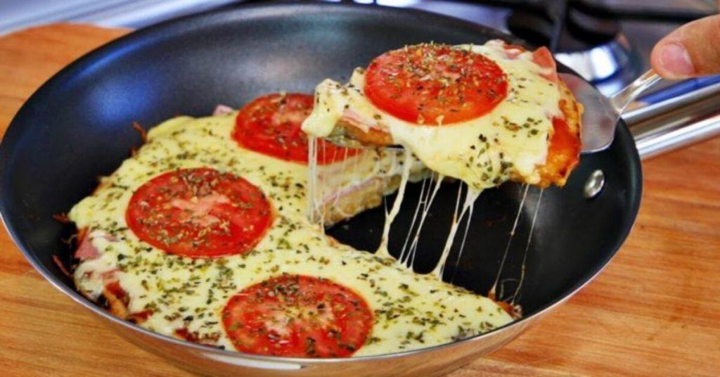 Pizza de frigideira apenas 10 minutos