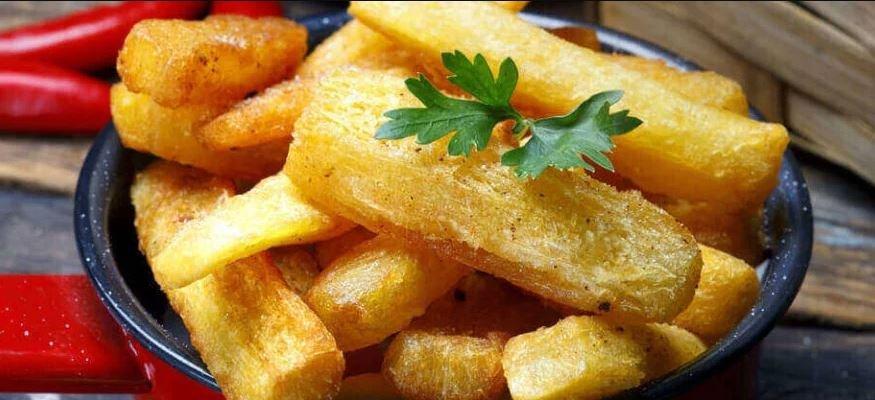 Mandioca assada mais crocante do que frita e deliciosa a melhor